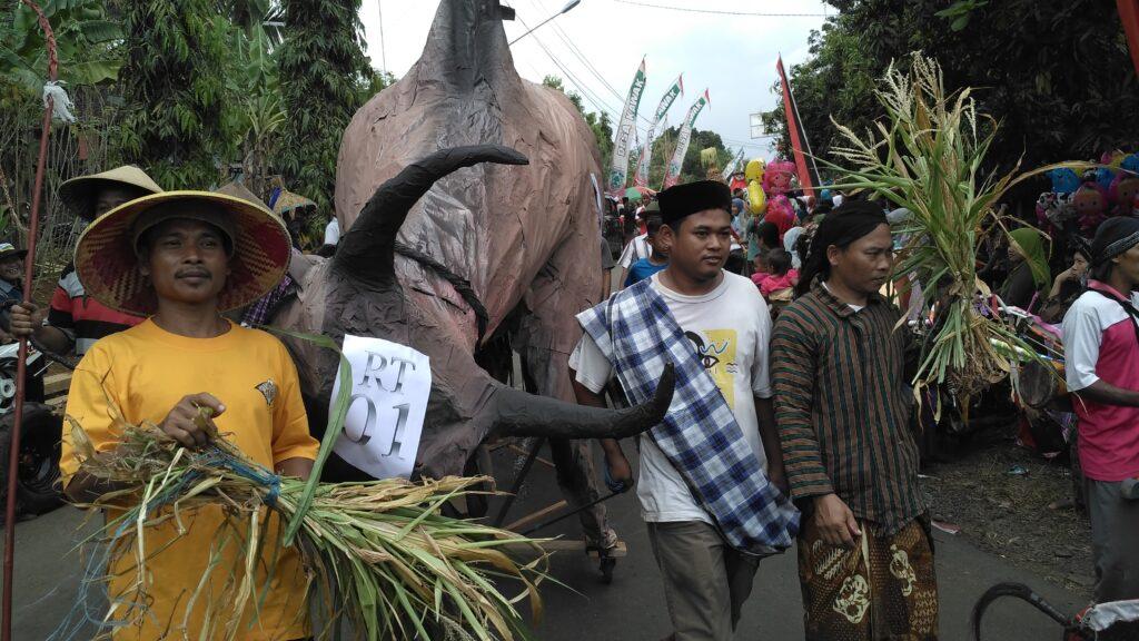 Kerbau Raksasa ditampilkan dalam Festival Jondang
